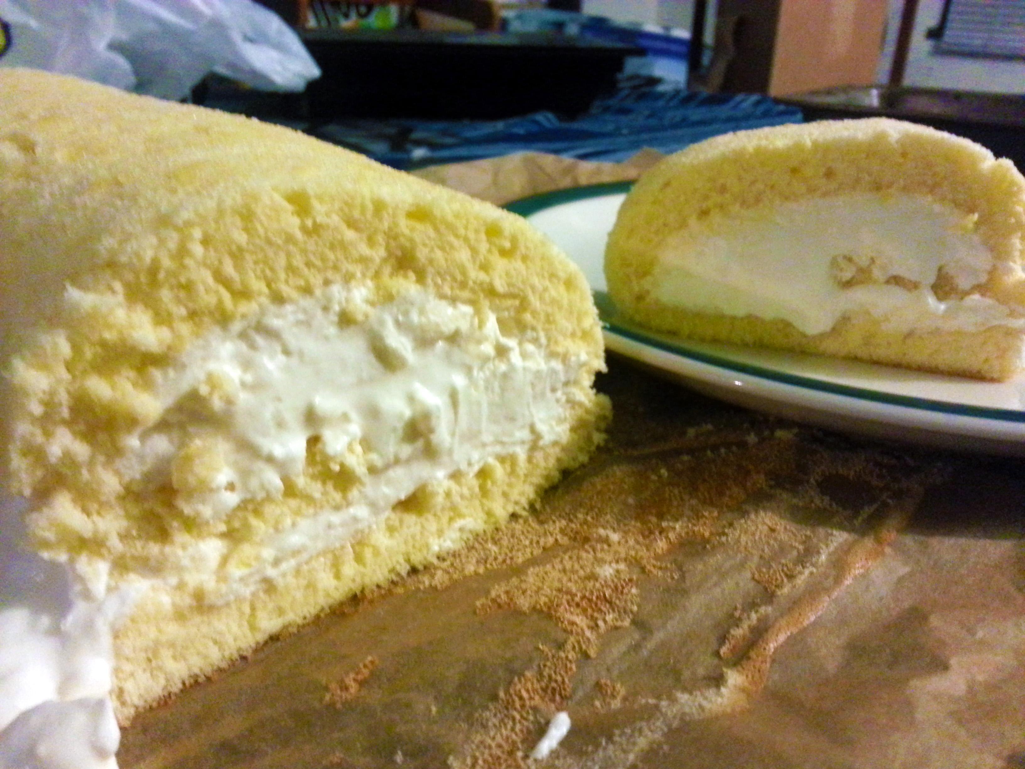 lemon mascarpone swiss roll
